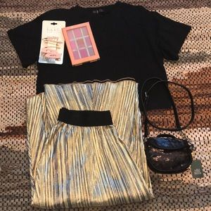 LuLaRoe Gold, Silver, and Black Pleated Skirt M